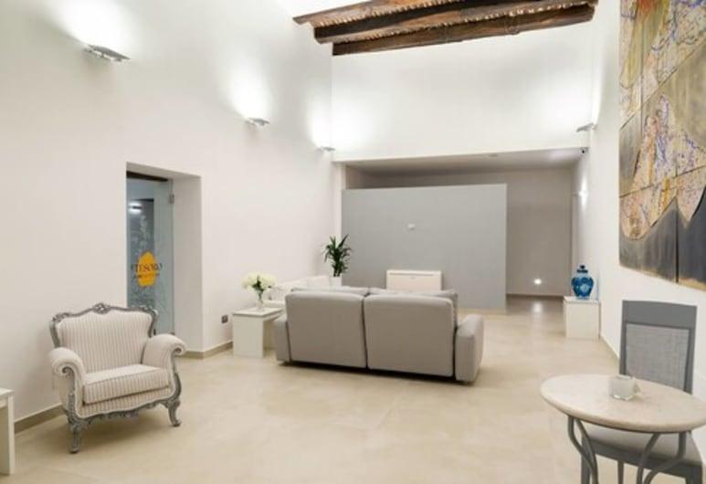 Il Tesoro Smart Suite & Spa, Napoli, Sitteområde i lobbyen