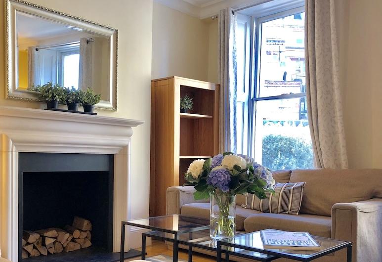 Buckingham Palace View Apartment, London, Comfort-Maisonette, 2Schlafzimmer, Stadtblick, Wohnbereich
