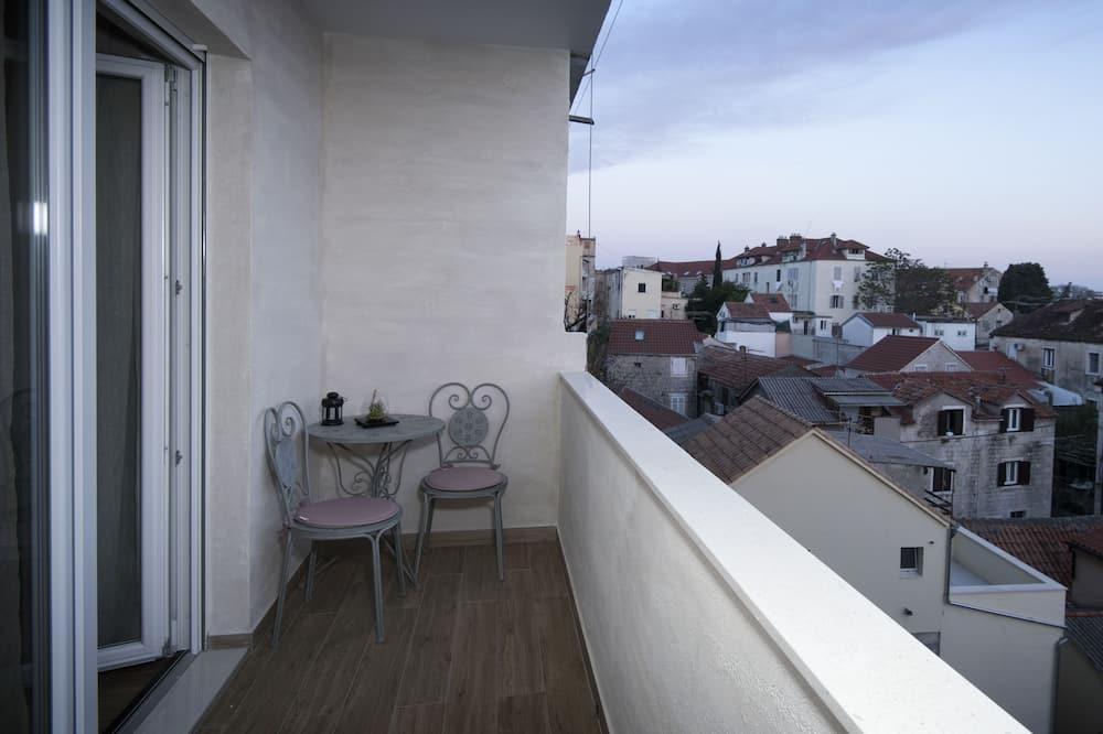 Luxury Apartment, Multiple Beds (NOVI LUX-3rd floor) - Terrace/Patio