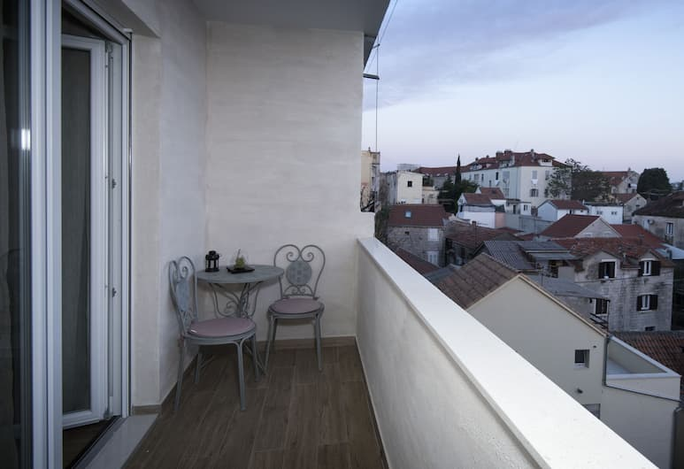 Guesthouse Laura, Split, Luxury-Apartment, Mehrere Betten (NOVI LUX-3rd floor), Terrasse/Patio