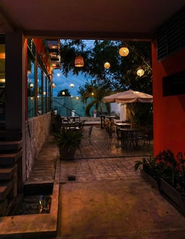 Picture of Hotel Suites Arges - Pet Friendly in Chetumal