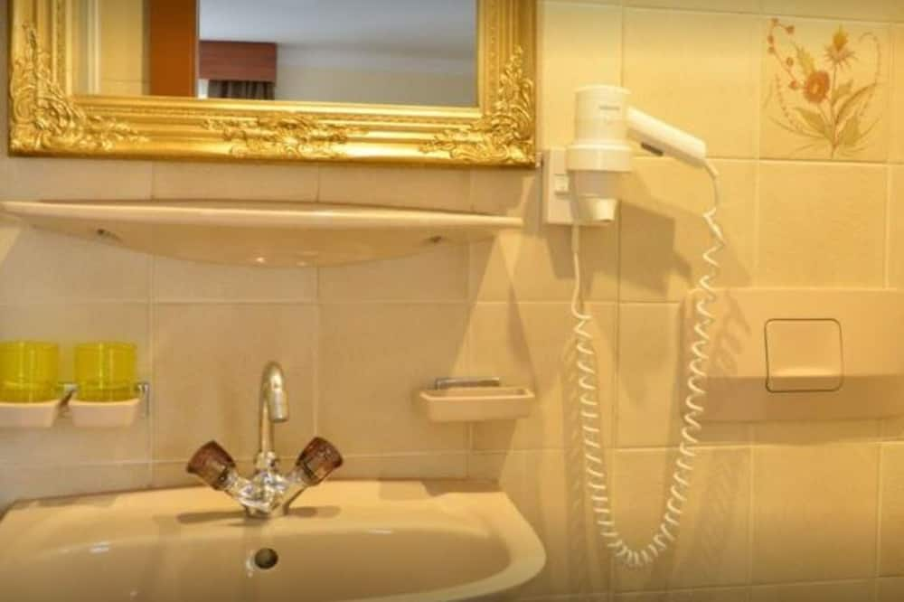 Quarto Individual - Casa de banho