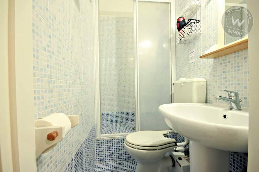 Dvojlôžková izba typu Comfort, súkromná kúpeľňa (External) - Kúpeľňa