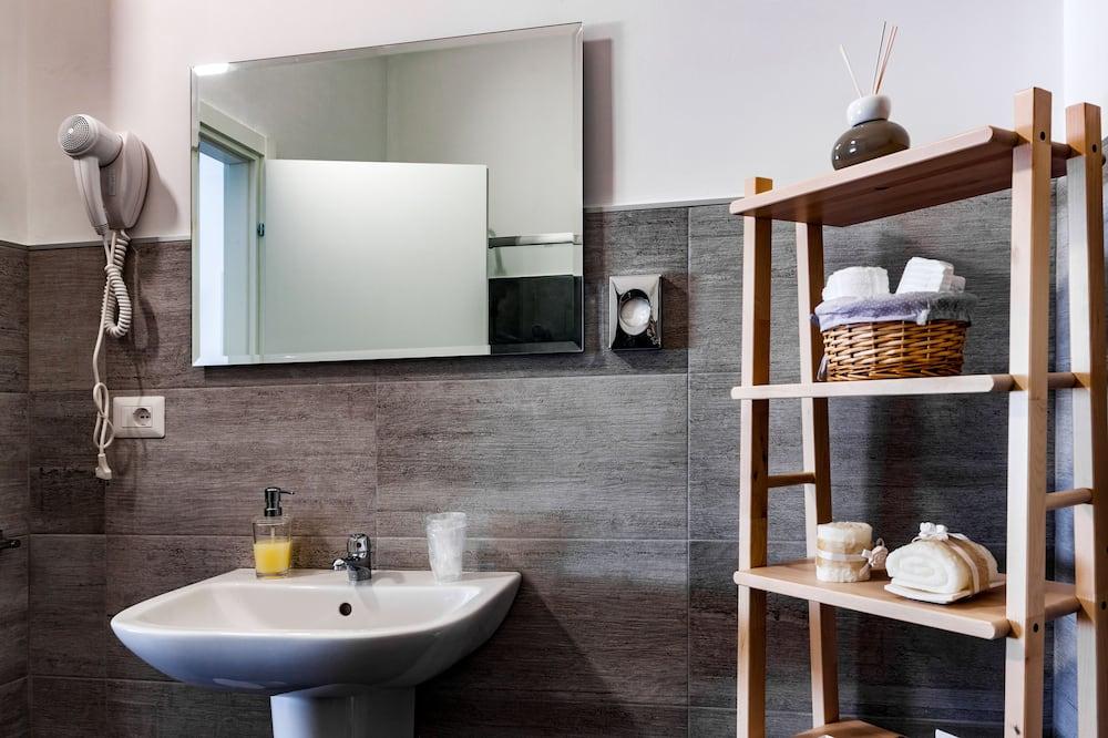City - kolmen hengen huone - Kylpyhuone
