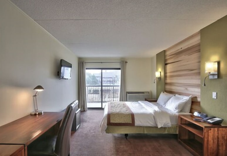 Blue Mountain Resort Inn, The Blue Mountains, One Queen Bed, Guest Room