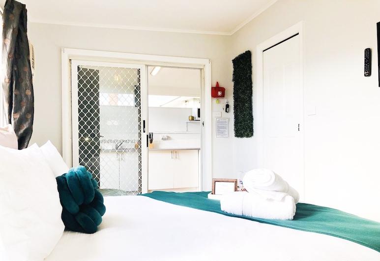 迷人小屋飯店 @ 獵人谷葡萄酒產區, 賽斯諾克, 豪華開放式客房, 1 張加大雙人床和 1 張沙發床, 獨立浴室, 客房