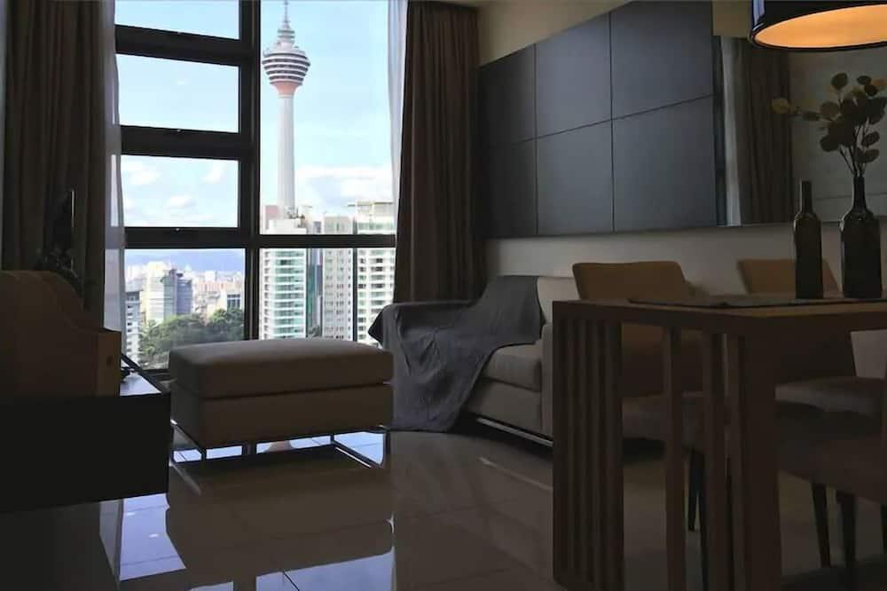 2 Bed Room Unit - 2 King Beds - Living Room