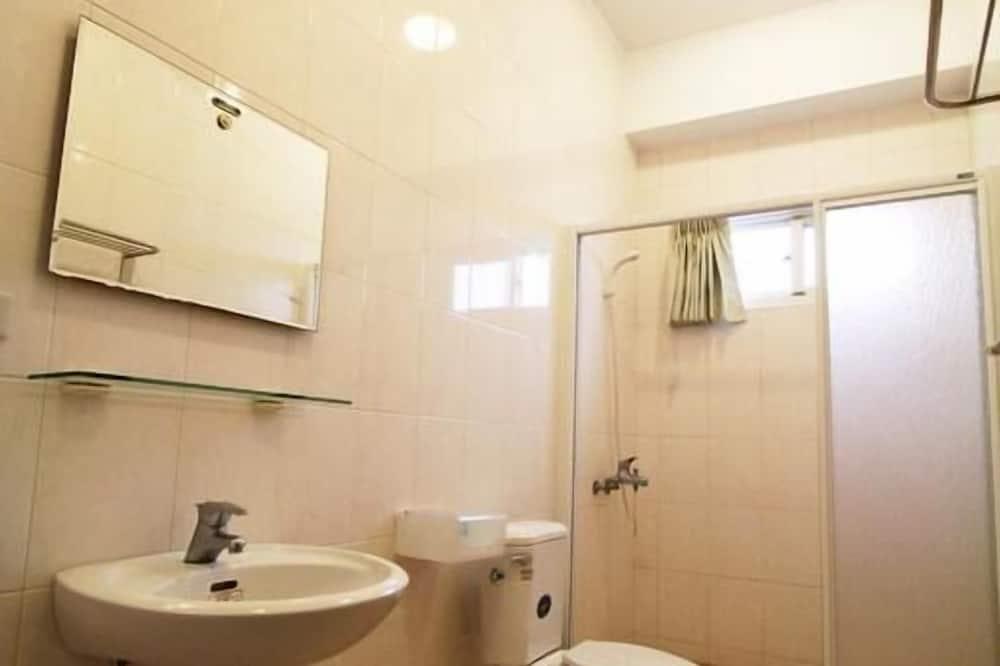 Habitación cuádruple de diseño - Baño