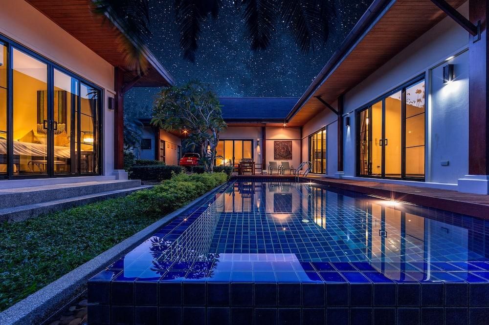 3-Bedroom Villa with Private Pool - Privatpool