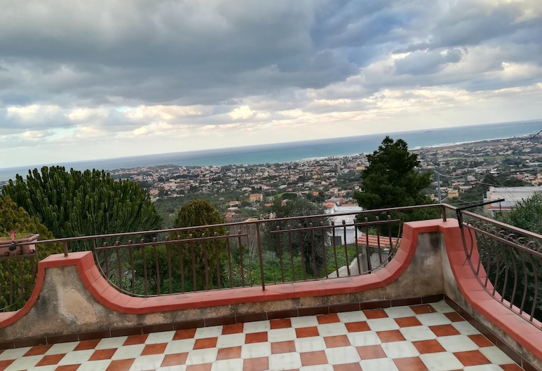 House With one Bedroom in Villagrazia di Carini, With Wonderful sea View, Furnished Terrace and Wifi - 5 km From the Beach, Carini, Terrace/Patio