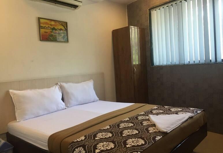 Port Hotel, Bombay