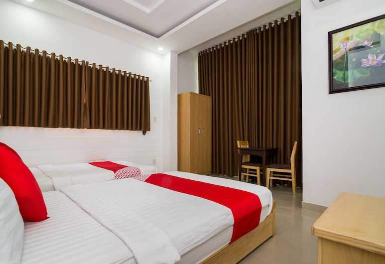 OYO 170 Truc Hung Hotel, Nha Trang, Deluxe Triple Room, Guest Room