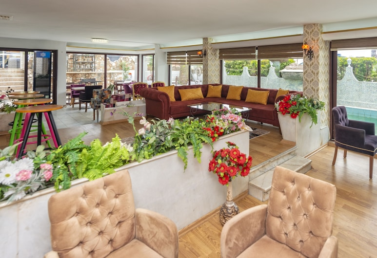 Royal City Hotel, Antalya, Sitzecke in der Lobby