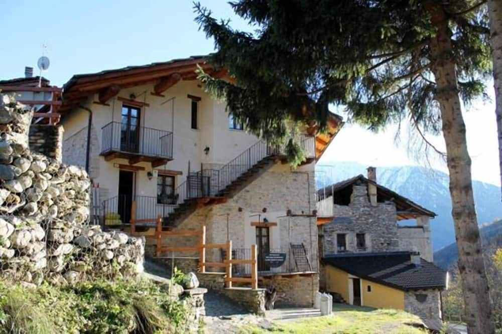 Apartment, 1 Bedroom, Mountain View - Room