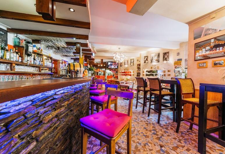 Hotel Le Breilh, Ax-les-Thermes, Hotel Bar