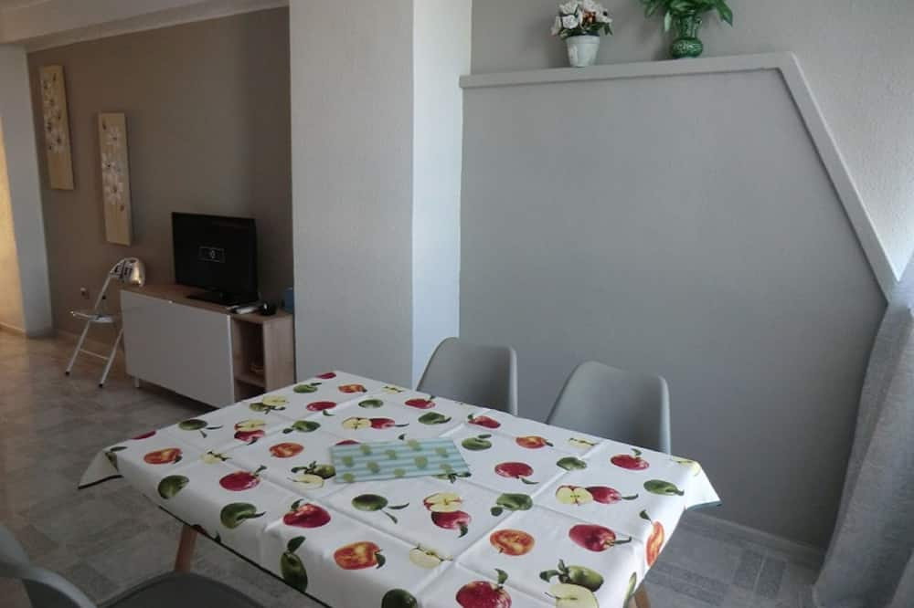 Family Apartment, 2 Bedrooms, Partial Sea View - Bilik Rehat