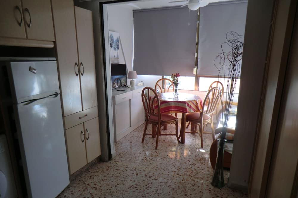 Basic Apartment, 1 Bedroom, Sea View - Living Room