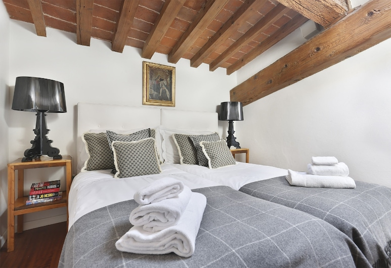 Elegant Duomo apartment, Florence, Apartment, 2 Bedrooms, City View, Room