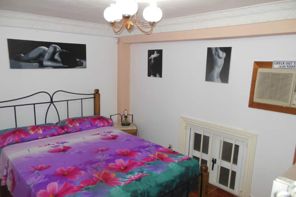 Standard Double Room, 1 Queen Bed (2) - Zimmer