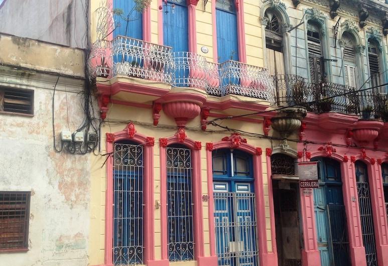 هوستال لا بريفيريدا, هافانا, واجهة الفندق