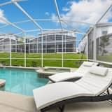 House, 6 Bedrooms - Pool