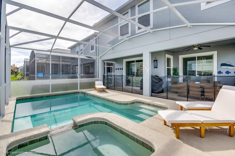 Ev, 6 Yatak Odası - Açık Yüzme Havuzu