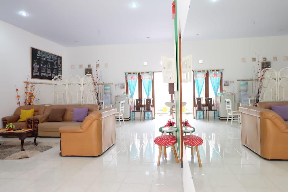 Standard House, 3 Bedrooms - Imej Utama