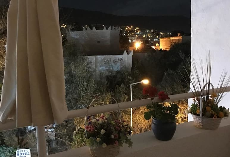 Halikarnas Pansiyon, Bodrum, Terrace/Patio