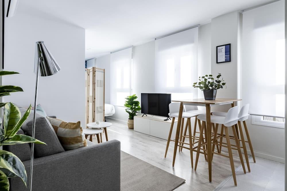 Studio (3A) - Living Area