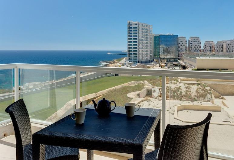 Modern Sea-view Apartment in a Prime Location, סליימה, מרפסת/פטיו