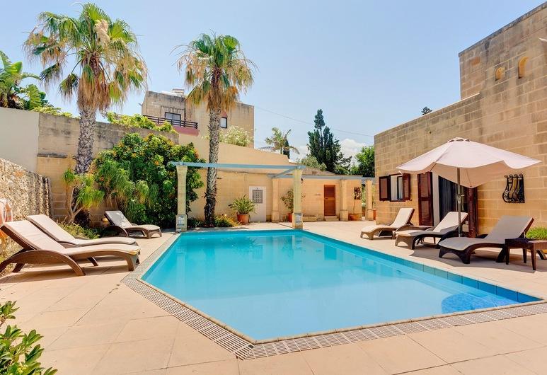Superlative 4 Bedroom Villa With Private Pool, Swieqi