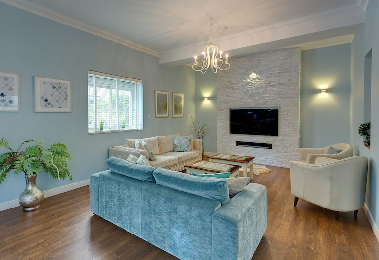 Luxury Apartment Tigne Point With Pool, Sliema