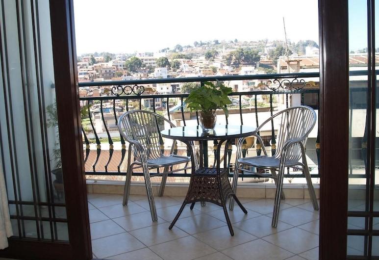Evergreen Hotel, Antananarivo, Deluxe-Doppelzimmer, 1 Queen-Bett, Stadtblick, Terrasse/Patio