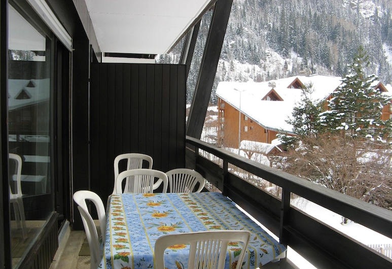 Apartment With one Bedroom in Les Contamines-montjoie, With Wonderful Mountain View, Shared Pool and Furnished Terrace, Les Contamines-Montjoie, Terrace/Patio