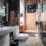 House, 5 Bedrooms - Bathroom