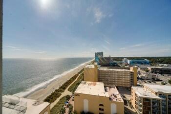 Obrázek hotelu Newly Upgraded Oceanfront Tides Condo ve městě Myrtle Beach