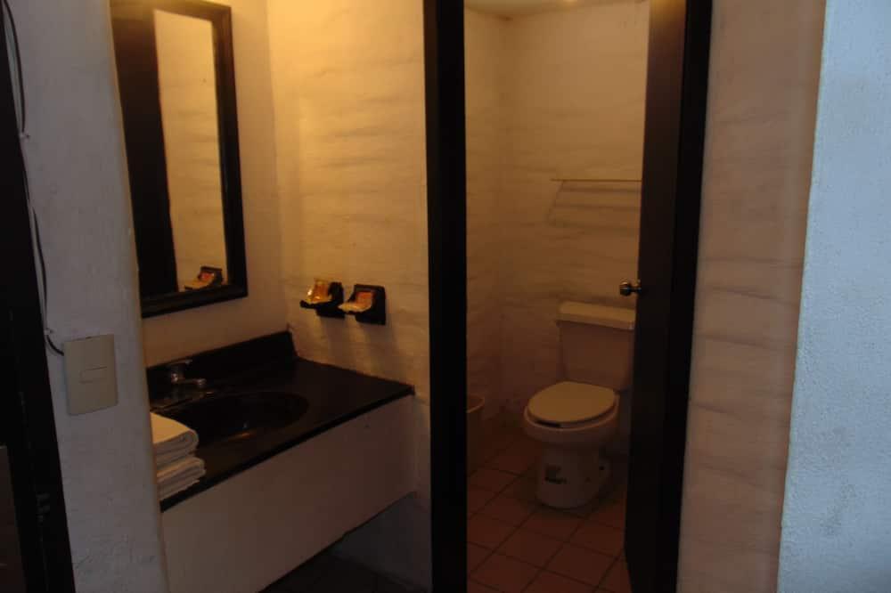 Classic Double Room, 2 Katil Kelamin (Double) - Bilik mandi