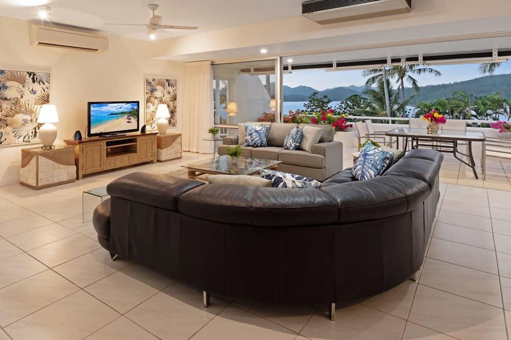 Apartment, 2 Bedrooms, 2 Bathrooms, Ocean View - Living Room