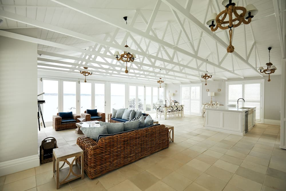 The Lake House - Living Area