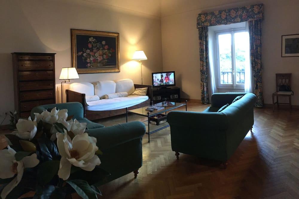 Apartmán, 3 ložnice, výhled na město - Obývací prostor