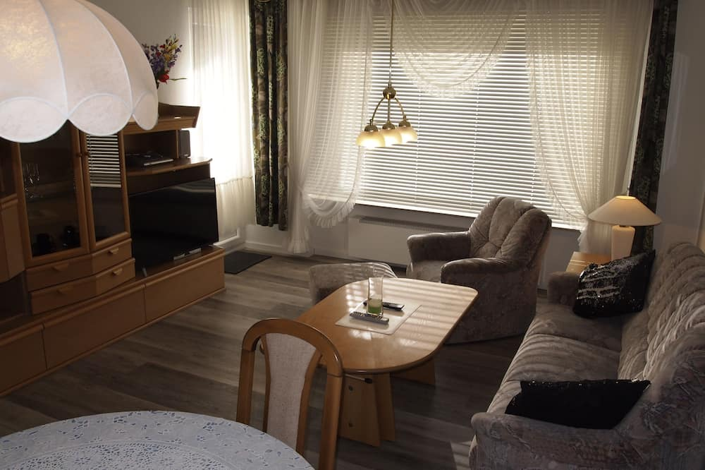 Apartment (incl.35EUR cleaning&10EUR service fee) - Living Room