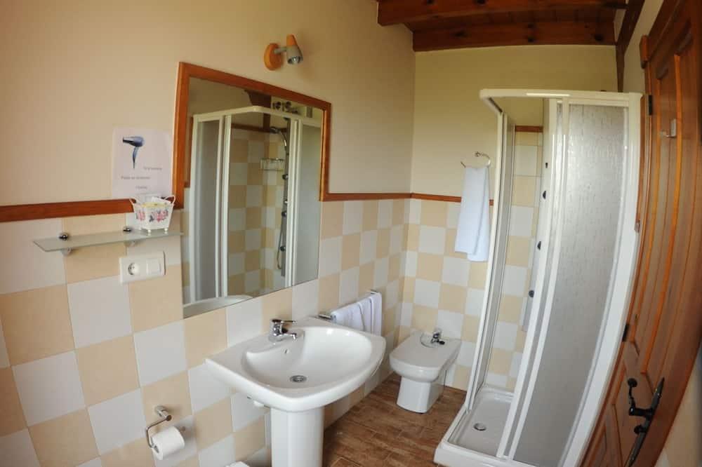 غرفة سوبريور ثلاثية - بحمام خاص (supletoria) - حمّام