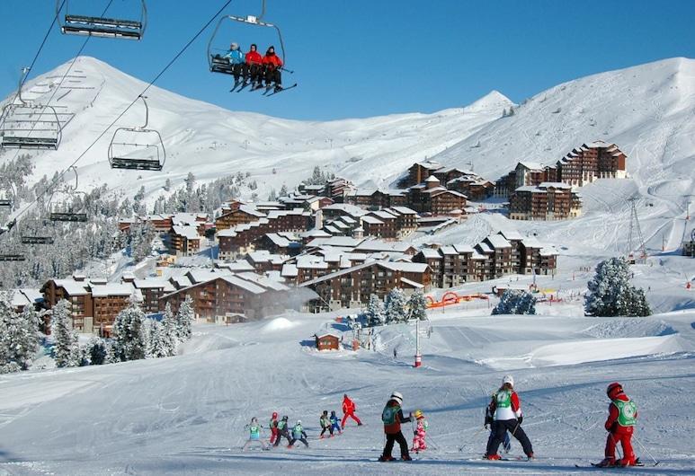 美麗普拉涅滑雪坡上兩客房公寓 5 人酒店 - 28 平方米 Tq03, 拉普蘭-塔朗泰斯, 公寓, 多張床 (BELLE PLAGNE Two-roomed apartment on ), 滑雪運動