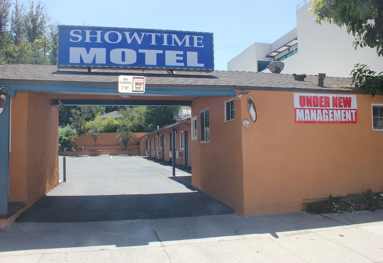 Showtime Motel, Studio City
