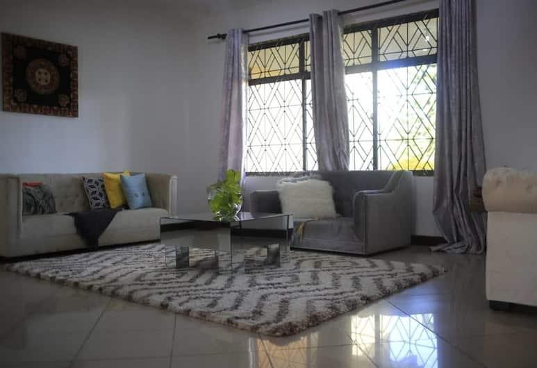 Arusha Jambo House, Aruša, Apartamentai su pagrindiniais patogumais, vaizdas į sodą, Svetainės zona