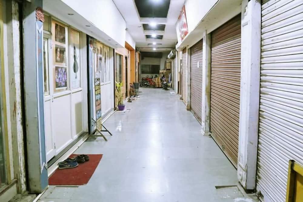 Ingang binnen