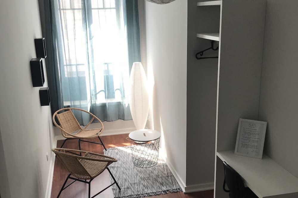 Superior Double Room, Shared Bathroom - Living Area
