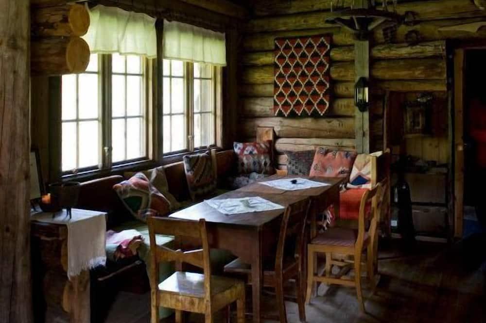 Familien-Ferienhaus, Mehrere Betten, Gartenblick - Wohnbereich