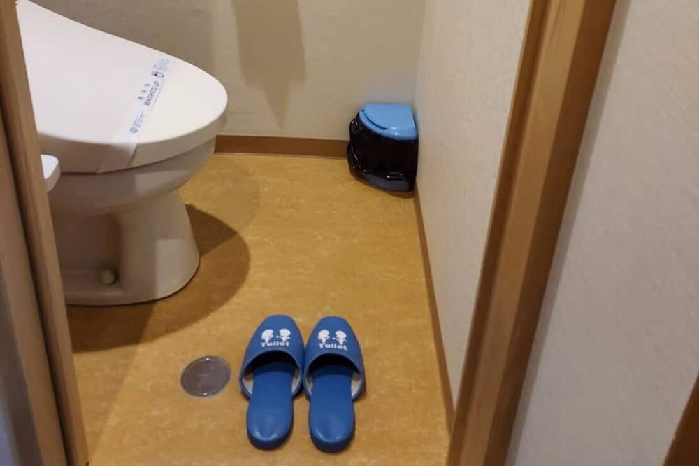 Standard Japanese Style Room, Non Smoking - Bathroom