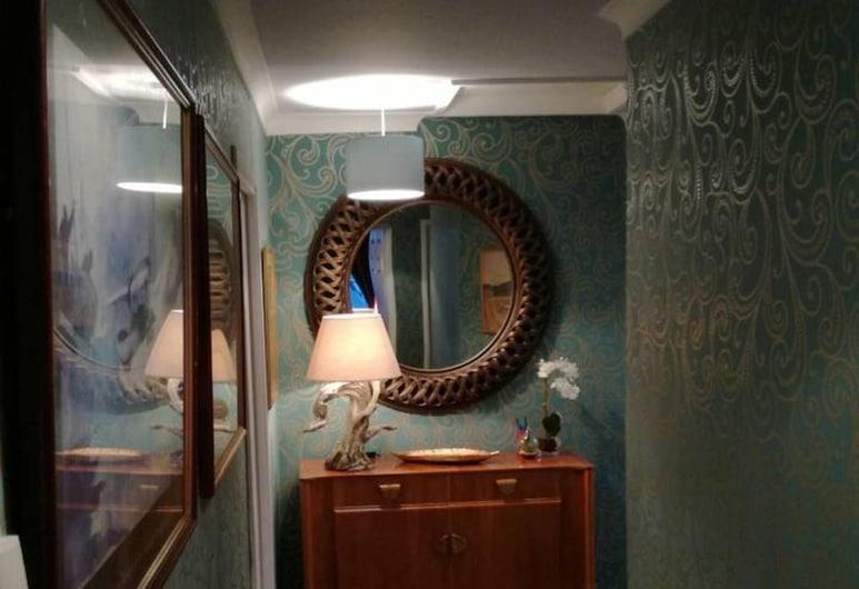 Spacious Luxury 2 Double Bedroom Flat in Newcastle, Newcastle-upon-Tyne, Dom, Wiele łóżek, Korytarz